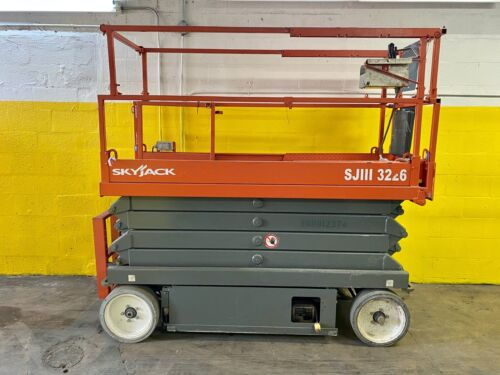 2014 SkyJack SJIII 3226 Electric Scissor Lift