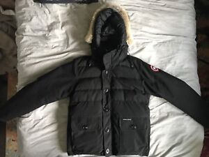Canada Goose - limited edition - Mens Large - Black