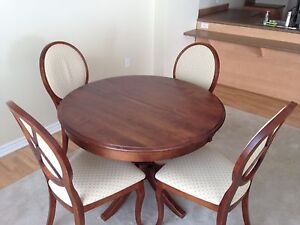 Solid cherrywood dinning room table