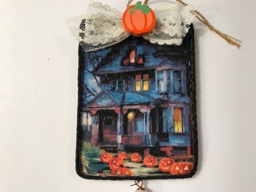 Halloween ornament, handcrafted on wood, Haunted house, item #W23