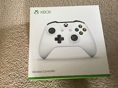 OFFICIAL MICROSOFT XBOX ONE WHITE WIRELESS BLUETOOTH CONTROLLER NEW.