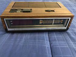 Vintage GE 7-4640A Electronic Digital Alarm Clock AM/FM Radio - Woodgrain