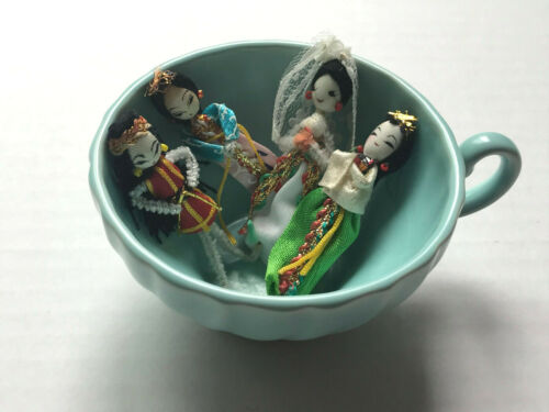 Small Vintage Asian Dolls