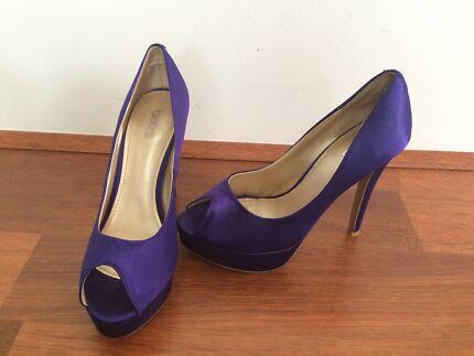 Ladies Betts size 6 purple heel Aubin Grove Cockburn Area Preview