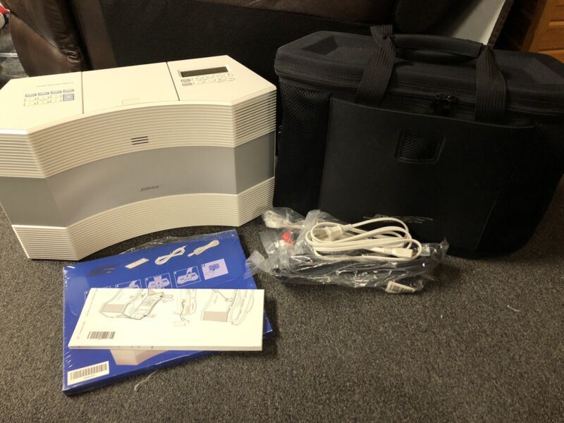 Bose Acoustic Wave Music System II (with Carrying Case)