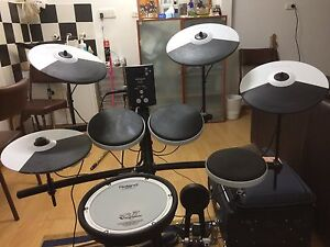 Roland TD-1KV Electronic Drum Kit Athelstone Campbelltown Area Preview