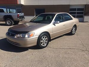 2000 Toyota Camry - Safetied - sunroof - clean title - mint