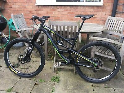 YT Capra AL in Black and Green Medium Great spec and fully serviced