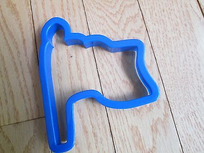 FLAG COOKIE CUTTER BLUE PLASTIC  4 3/4