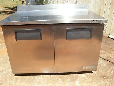 Used Pizzasandwich Prep Table With Refrigerated Base. Make True Model Twt 60