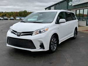 2019 Toyota Sienna LE 7-Passenger ALL WHEEL DRIVE/POWER SLIDI...