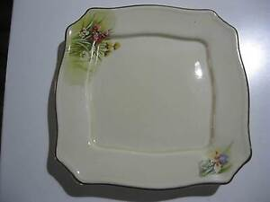 ROYAL WINTON GRIMWADES, PLATE WITH FLORAL DESIGN AND GOLD TRIM Dalyellup Capel Area Preview