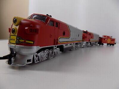 Life Like Trains Double Header Set W/ Caboose HO Scale Santa Fe Dual Locomotives