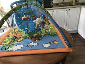 Activity playpen & Vibrating baby bed