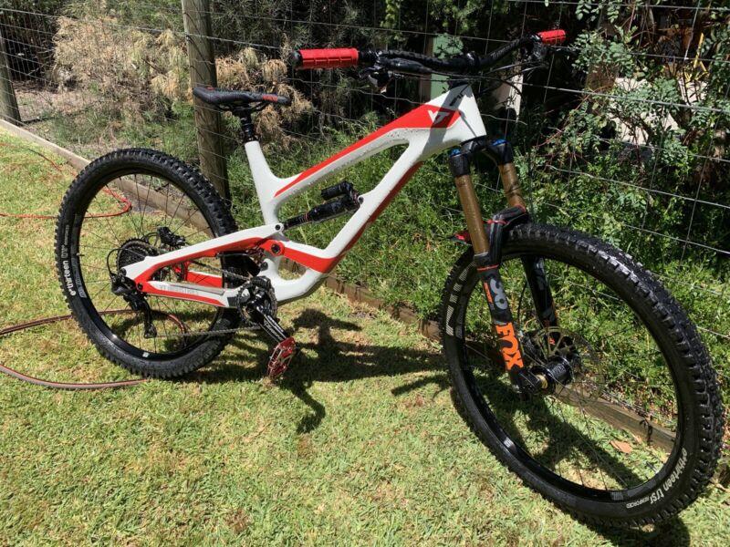 55e2f170dca 2018 YT Industries Capra CF - size large 27.5 | Men's Bicycles | Gumtree  Australia Frankston Area - Carrum Downs | 1216965151