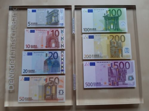 Netherlands Official Euro Set Banknotes 885 Euro in Plexiglas