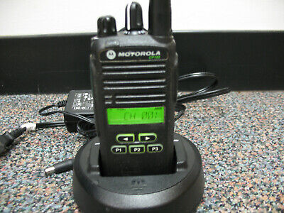 Motorola Cp185 Two Way Radio Uhf 435-480mhz With Charger