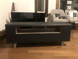 Structube TV stand excellent condition