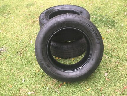 3x 265/60/r18 tyres  90% Tred