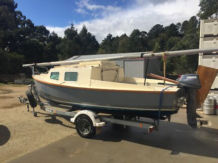 Hartley TS16 Trailer sailer yacht