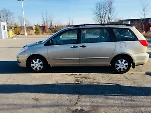 2008 Toyota Sienna, 123 500 KM, first Owner, Very clean