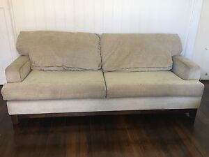 Free Freedom couch sofa lounge- PICK UP BY SUNDAY PM Windsor Brisbane North East Preview