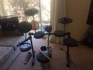 Alesis dm6 electronic drum kit Watson North Canberra Preview