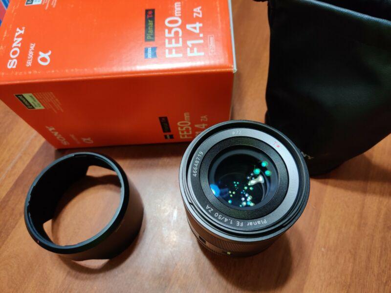 Sony SEL50F14Z Planar T FE 50mm f/1.4 ZA Lens