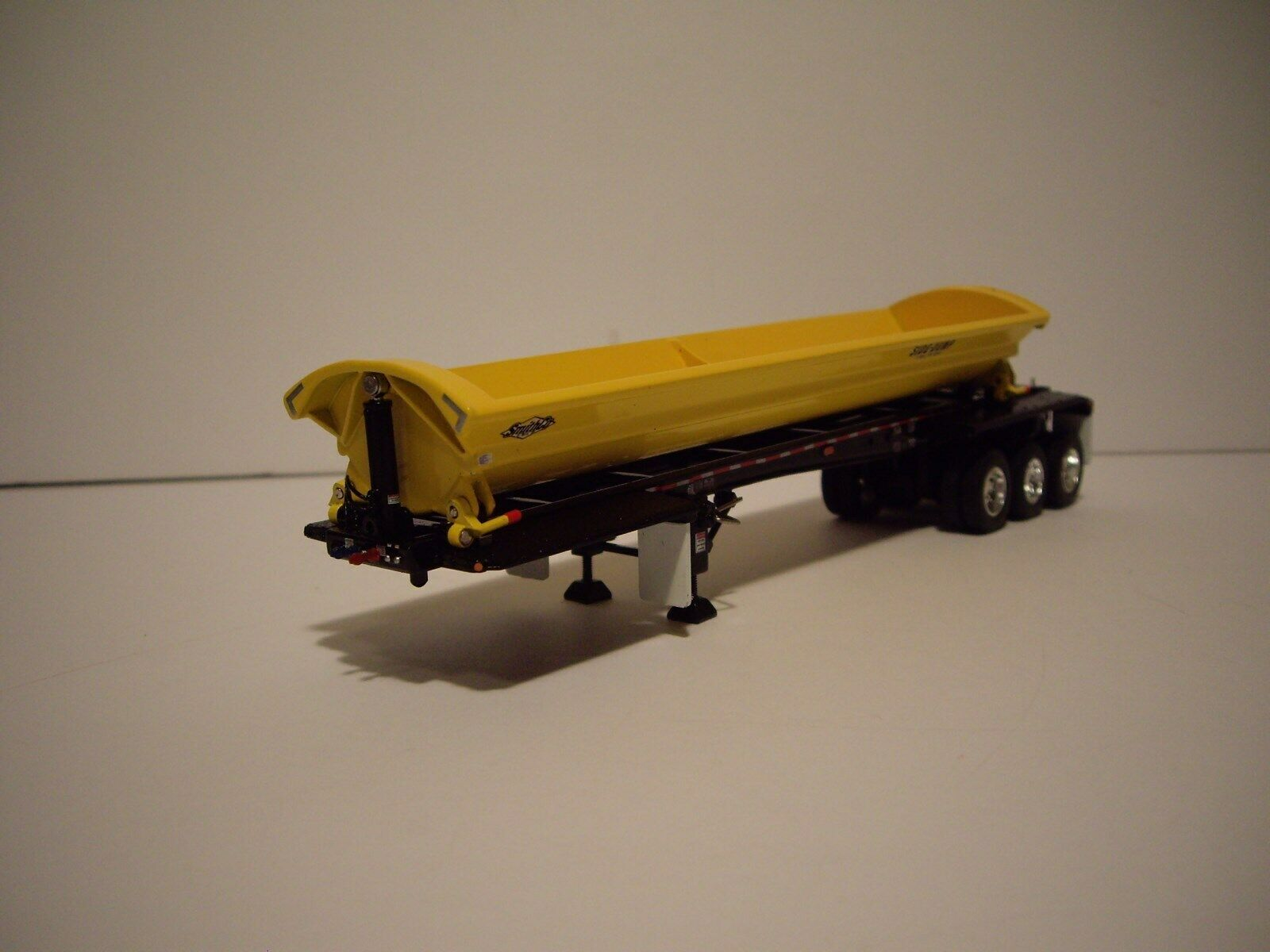 DCP FIRST GEAR 1/64 YELLOW WITH BLACK FRAME TRI-AXLE SMITHCO SIDE DUMP