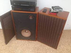 Retro Stereo System minus amplifier Guanaba Gold Coast West Preview