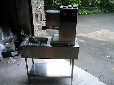 Nudelmaschine Nudel Maschine gebraucht Pasta Maschine, Abschneider 9 Matrizen