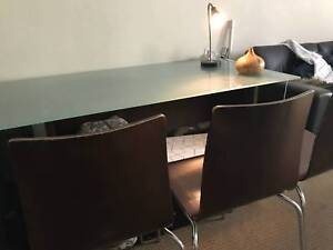 Dining table for 6 in great condition