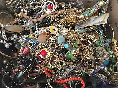 10.5 Lbs Unsorted TANGLED BROKEN JEWELRY LOT Chains Crafting Flat Rate Vintage +