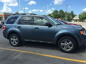 2010 Ford Escape xlt London Ontario image 1