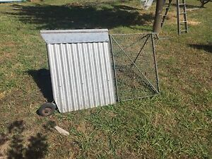 Steel framed Guinea pig or Rabbit cage Dangarsleigh Armidale City Preview