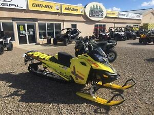 2015 Ski-Doo Summit X 174 800R E-Tec Pull Start