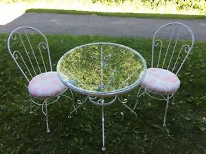 Shabby Chic Wrought Iron Vintage Parlour Style Bistro Set