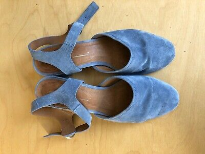 Intentionally Blank Crystal Block Heels periwinkle blue suede 9/ fits an 8.5