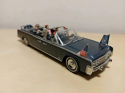 Minichamps 1:43 - Lincoln Continental X-100 - Presidential car -