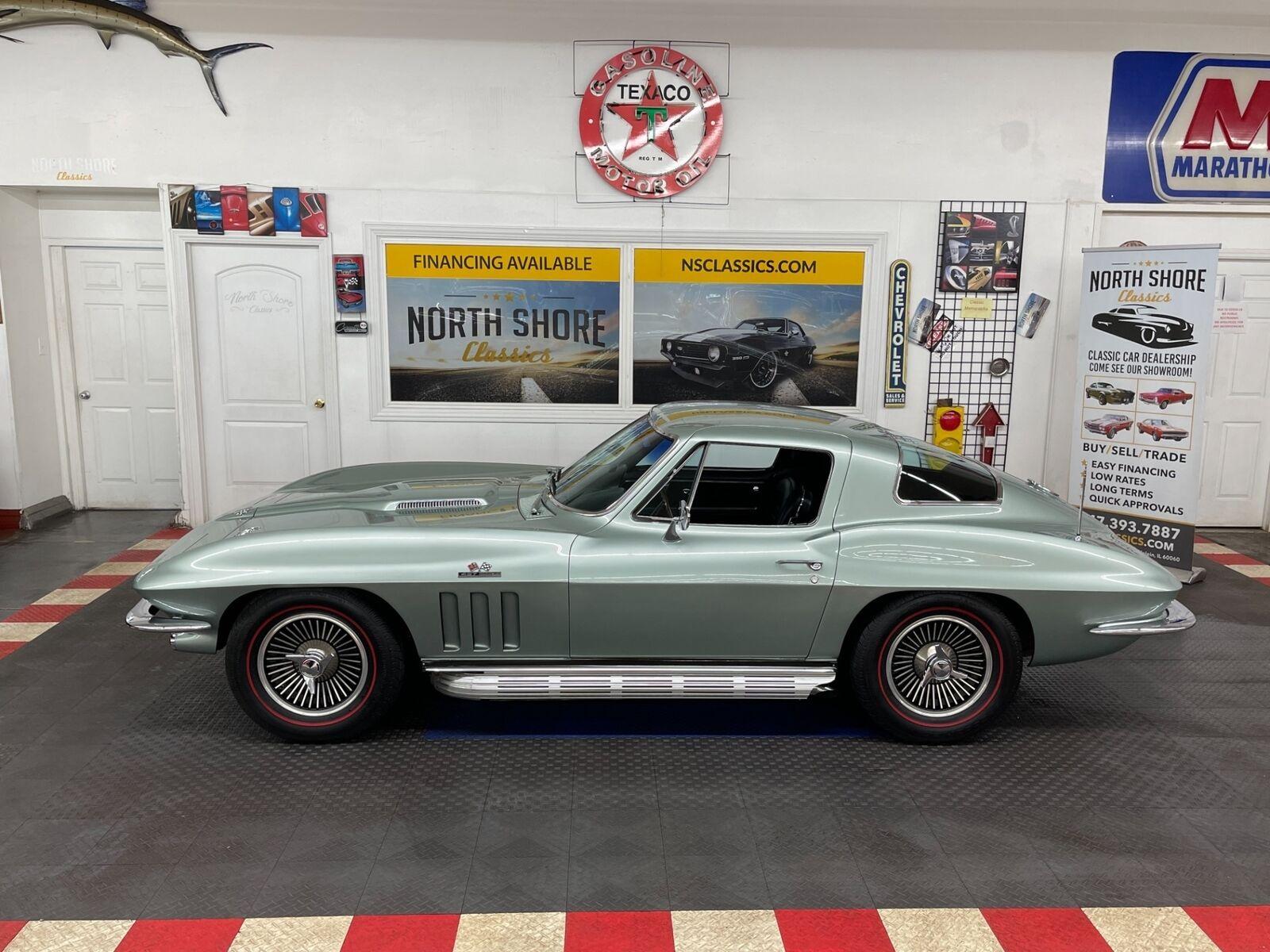 1966 Green Chevrolet Corvette Coupe  | C2 Corvette Photo 4