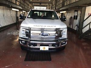 2017 Ford F-350 lariat ultimate duallyPENDING