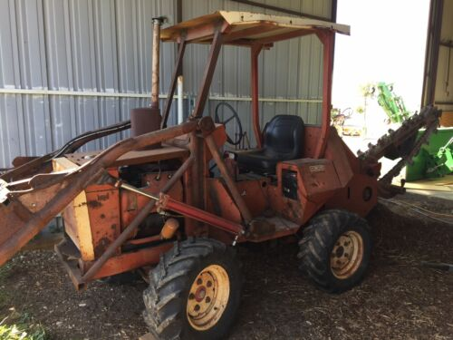 DITCH WITCH Ditch-Witch COMMERCIAL 4WD R30 40hp TRENCHER -Rare FEL Model-LOW HRS
