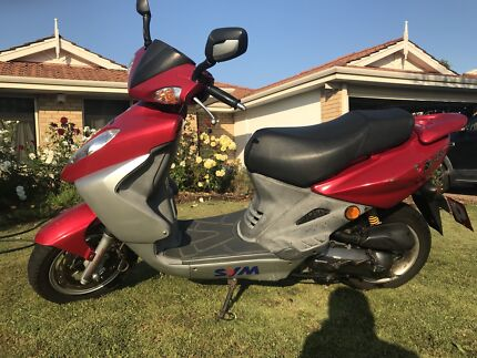 Sym Bolwell Shark 50cc scooter (negotiable)