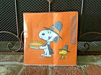 Peanuts Thanksgiving Dinner (SNOOPY & WOODSTOCK PILGRIMS 40 THANKSGIVING DINNER NAPKINS by GRAPHIQUE)
