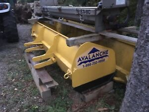 Avalanche snow pusher