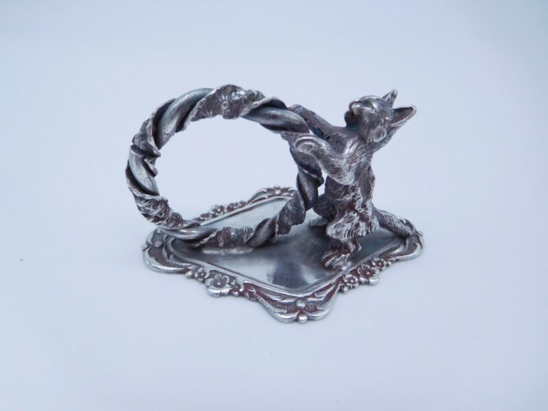 LOVELY VICTORIAN SILVER PLATED FIGURAL STANDING KITTY CAT KITTEN NAPKIN RING