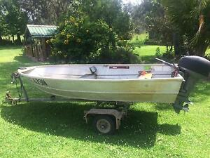 Aluminium Boat Tinnie 3.3m Car Topper 15hp Yamaha With Rego'd Trailer. Salt Ash Port Stephens Area Preview