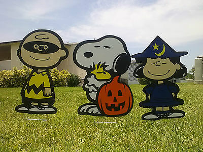 Halloween Yard Art (Peanuts Charlie Brown Great Pumpkin Halloween Yard Art)