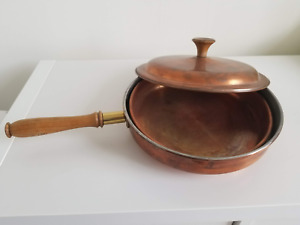 Copper frying pan/skillet with stand
