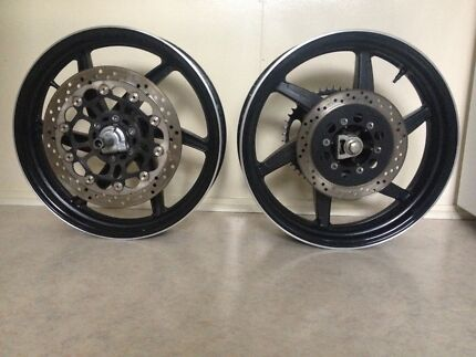 Hyosung GT250 Wheels Disc Axle $100 for the lot
